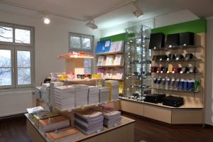 Linkshänder-Laden - Blick auf die Lederwaren