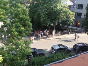 Flashmob auf der Rathausbrücke gegen die Baumfällung