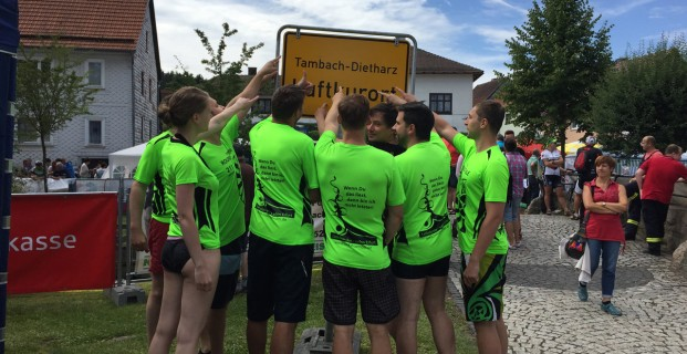 Linkshänder-Laden-Rafting-Team